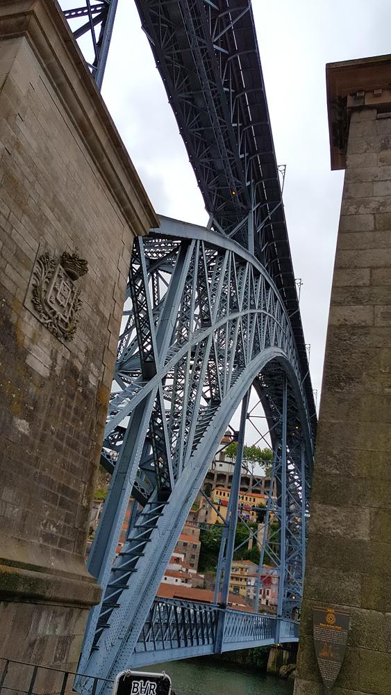 Le Pont Luiz I de Porto, non conçu par Gustave EIffel comme on le croit, mais par Théophile Seyrig, l'un de ses associés belges