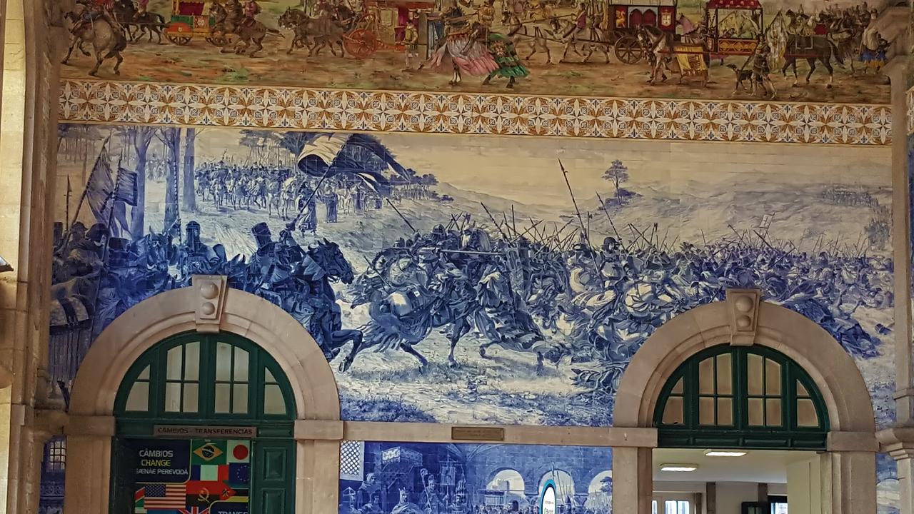 Une gare oeuvre d'art (influencée par le classicisme français relu par la culture de Porto)