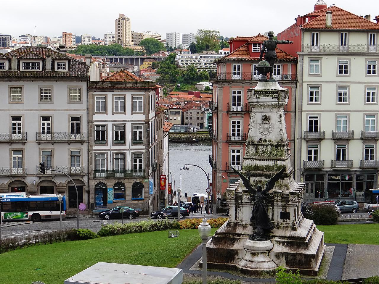 La stratification architecturale de Porto