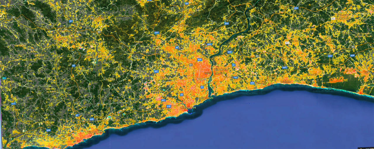 Photo satellite de Porto d'après Google Earth en fausses couleurs (en orange, les zones urbanisées)